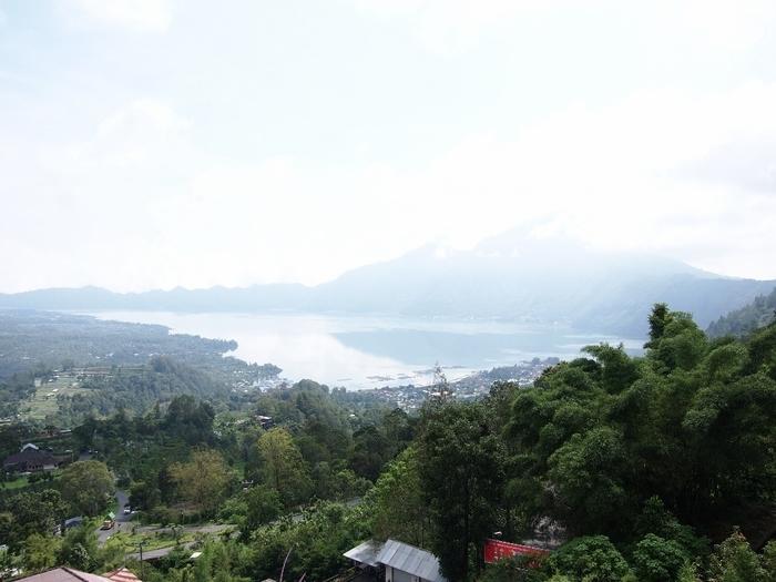 バトゥール湖.jpg